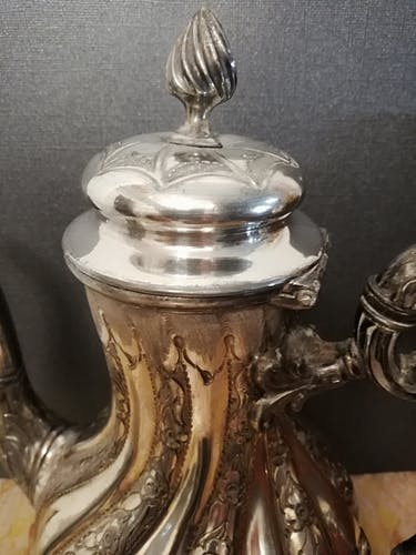 Sheffield tea in silver metal pushed and chiseled