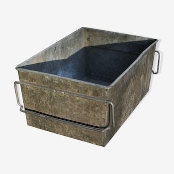 coffre malle caisse de rangement en m tal vintage d. Black Bedroom Furniture Sets. Home Design Ideas