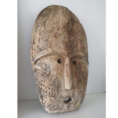 Masque Tribal sculpté bois de Bali