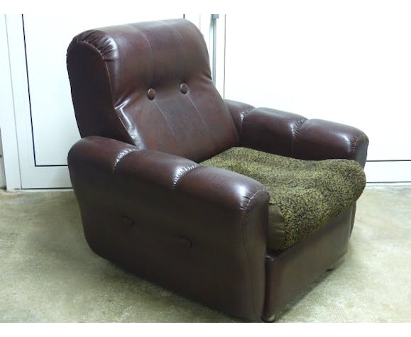 Chair in dark brown leatherette 80s