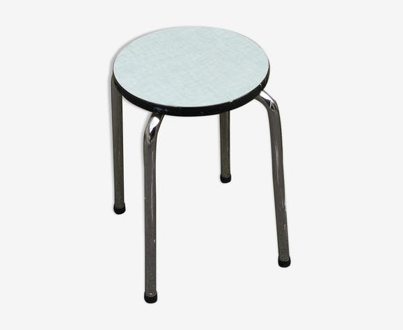 Round tab in blue Formica