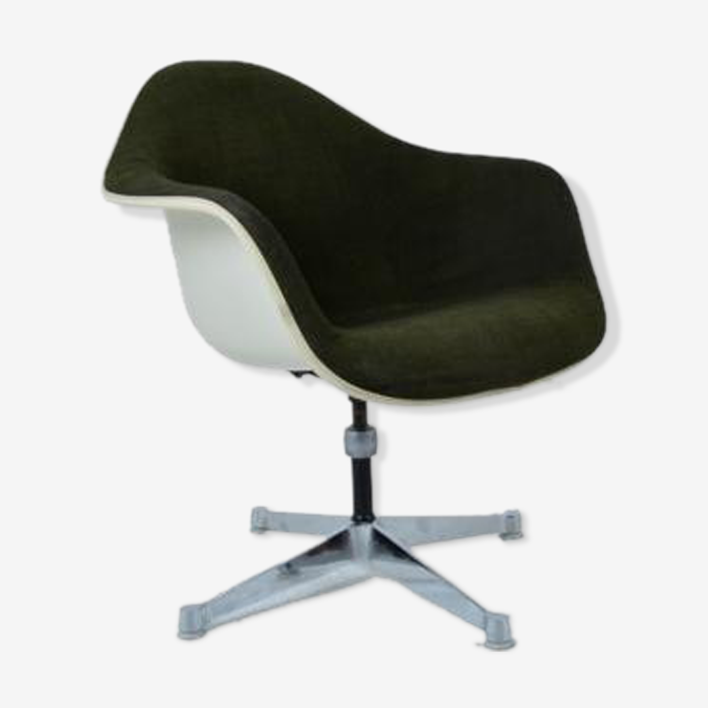 Swivel armchair by Charles and Ray Eames
