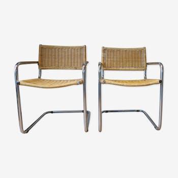 Paire de fauteuils cantilever