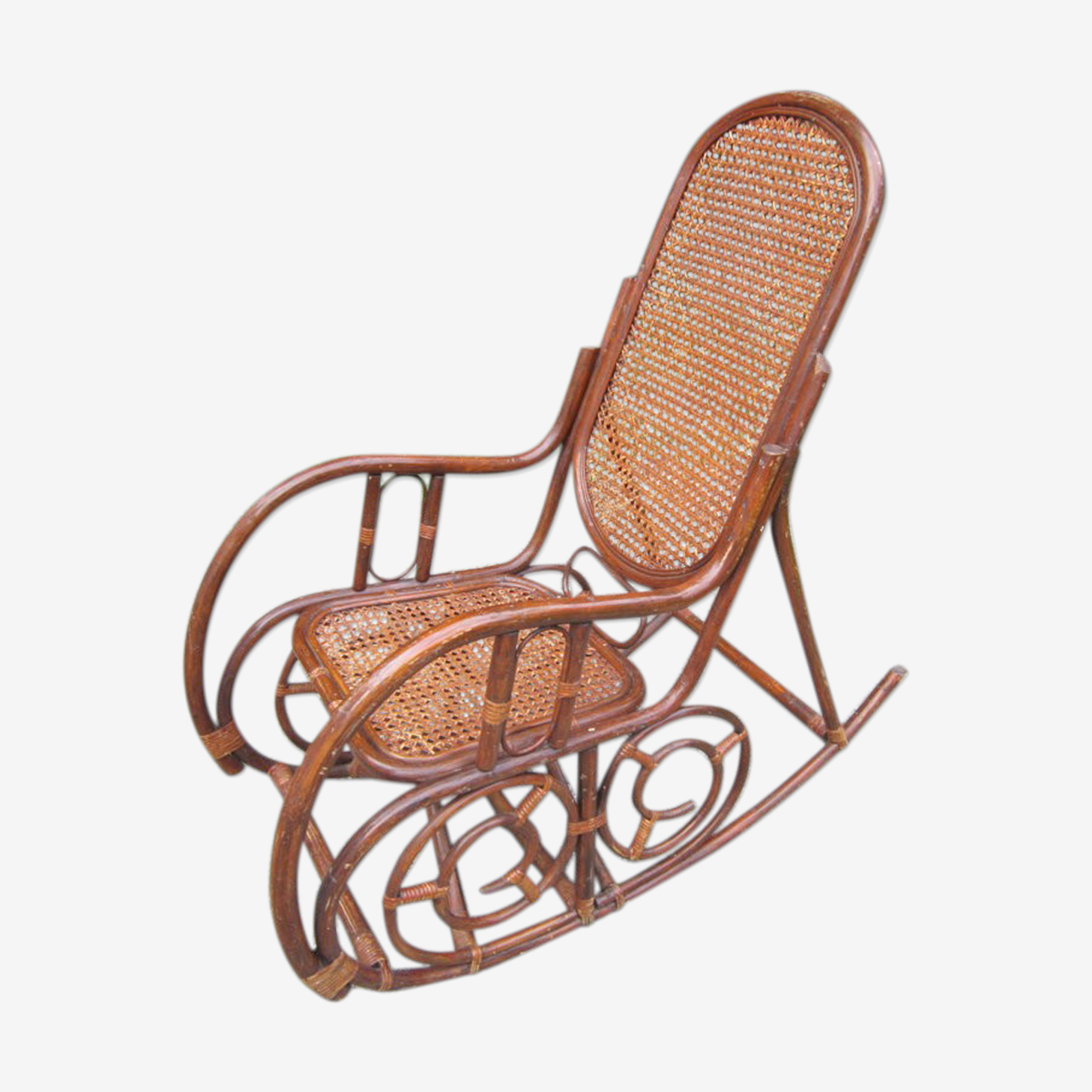 Rocking chair rotin et bambou avec cannage