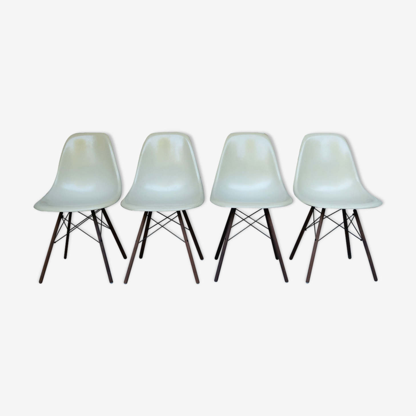 DSW Eames chairs off-white dowel Herman Miller