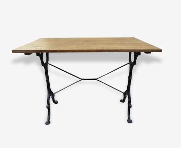 table bistrot en fonte et plateau en ch ne bois mat riau classique 125264. Black Bedroom Furniture Sets. Home Design Ideas