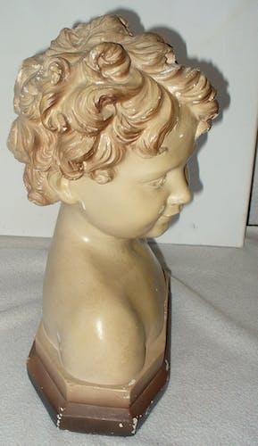 Buste en platre chérubin vers 1930 signé Flore