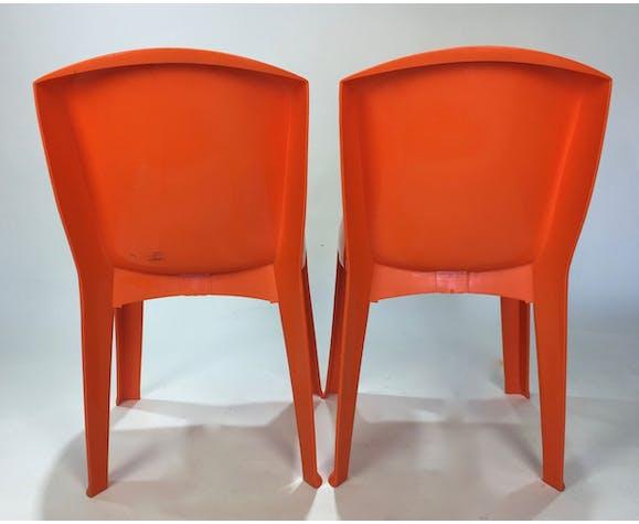 Paire de chaises en plastique G. Puzzini années 70