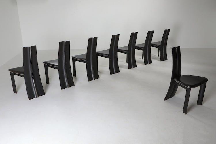 Série de 8 chaises belges en chêne ébonisé de Van den Berghe-Pauvers - années 1980