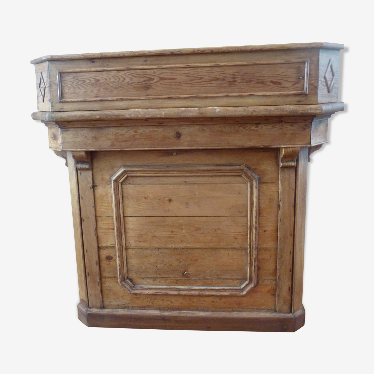 Old furniture of metier counter solid wood store