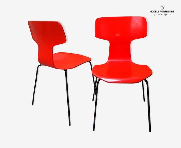paire de chaise 3103 hammer arne jacobsen bois mat riau rouge design dp6ckj5. Black Bedroom Furniture Sets. Home Design Ideas