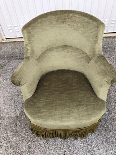 Green velvet toad armchair
