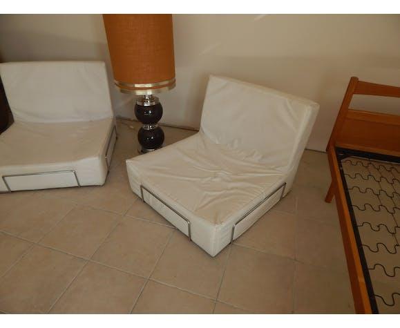 Chauffeuse blanche chromé design 70/80