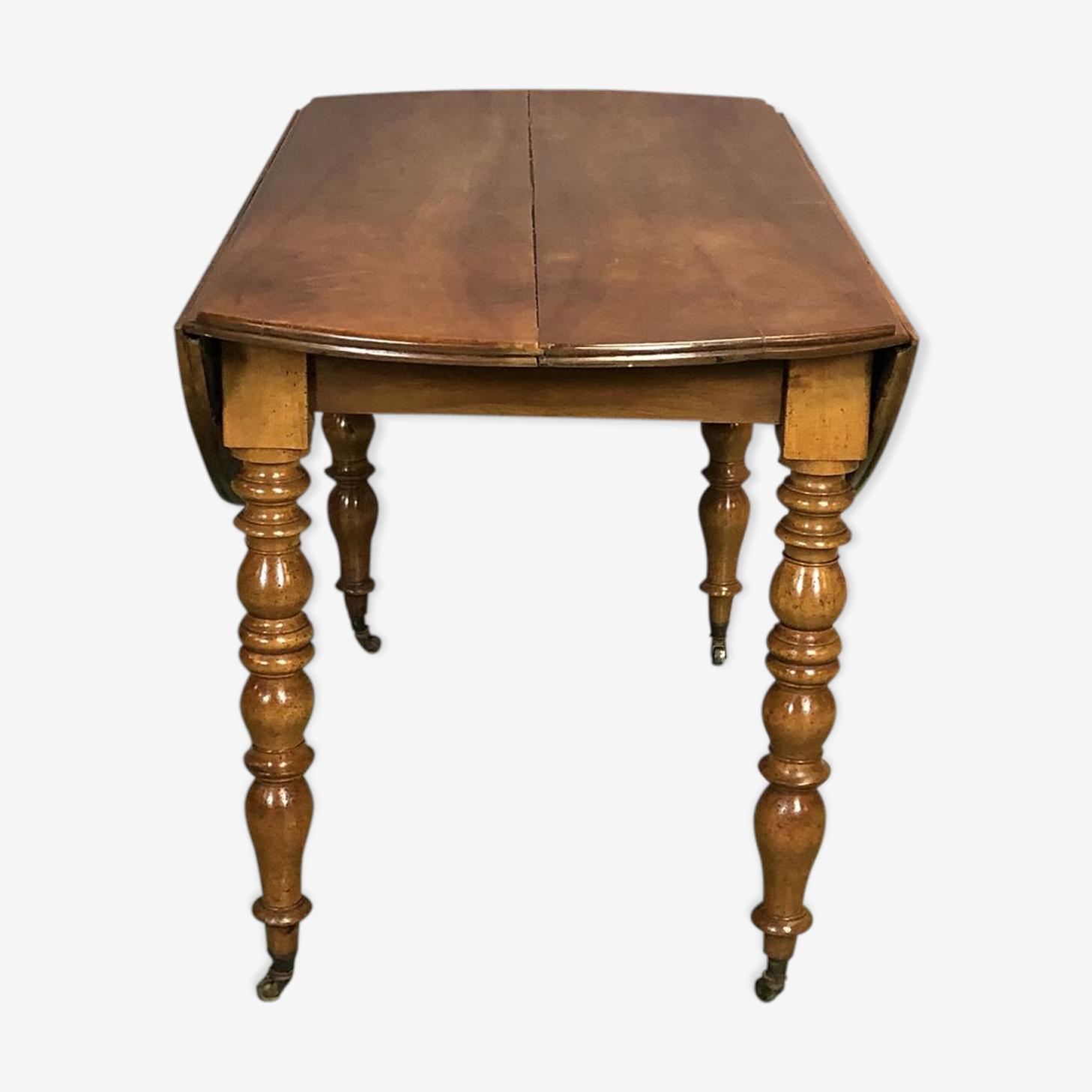 Table Louis Philippe fin XIXème en noyer