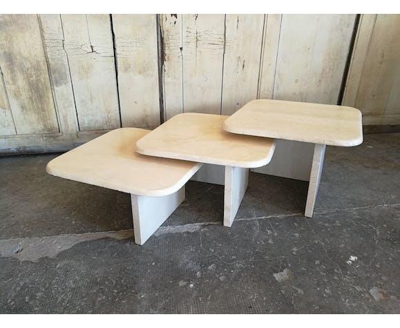 3 tables gigognes en travertin