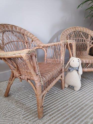 Paire de fauteuils en rotin enfant