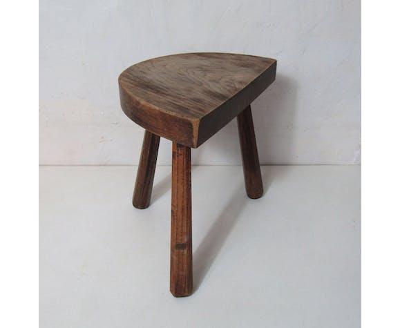 Ancien tabouret trépied en bois demie lune