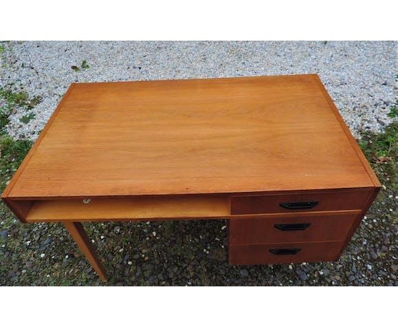 Bureau 1970