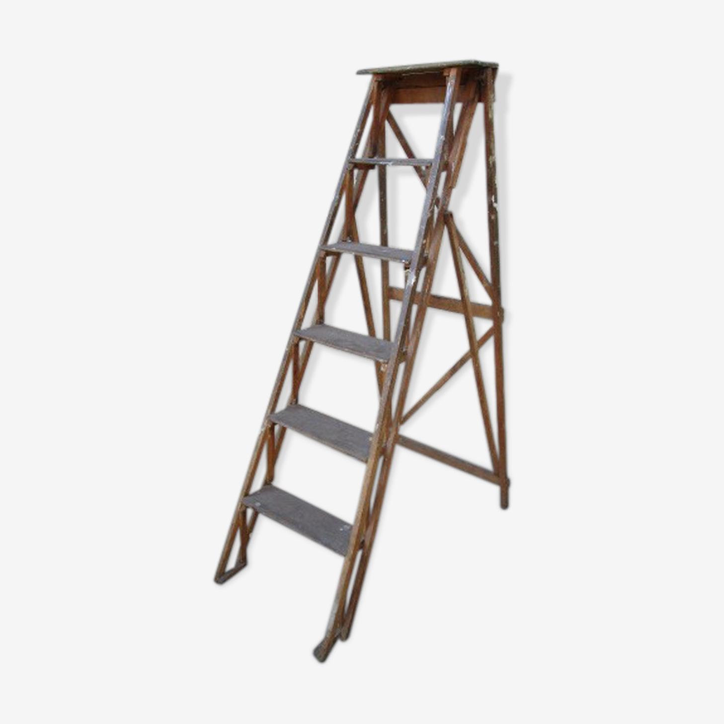Escabeau de peintre ancien en bois