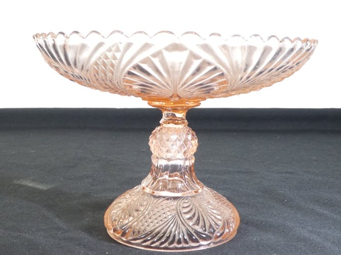 Coupe sur pied en verre rose Portieux