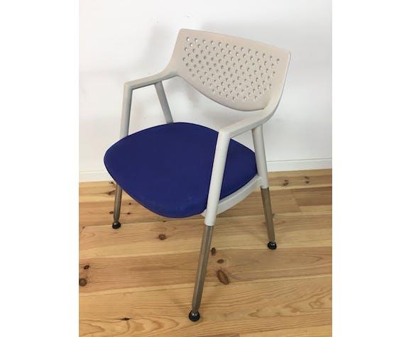 Chaise Vitra blanche et bleue Antonio Citterio style vis à vis