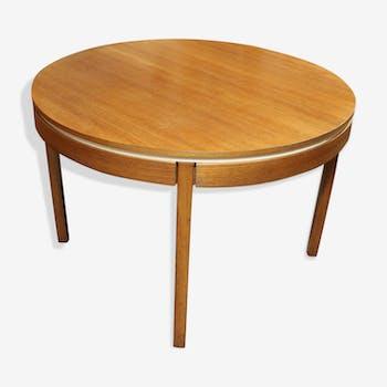 Scandinavian round extensible table