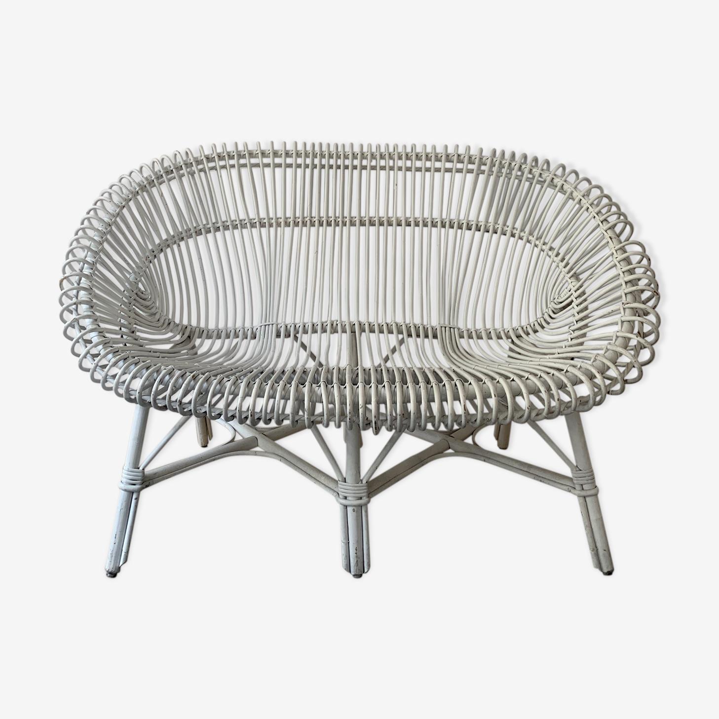White bench into rattan