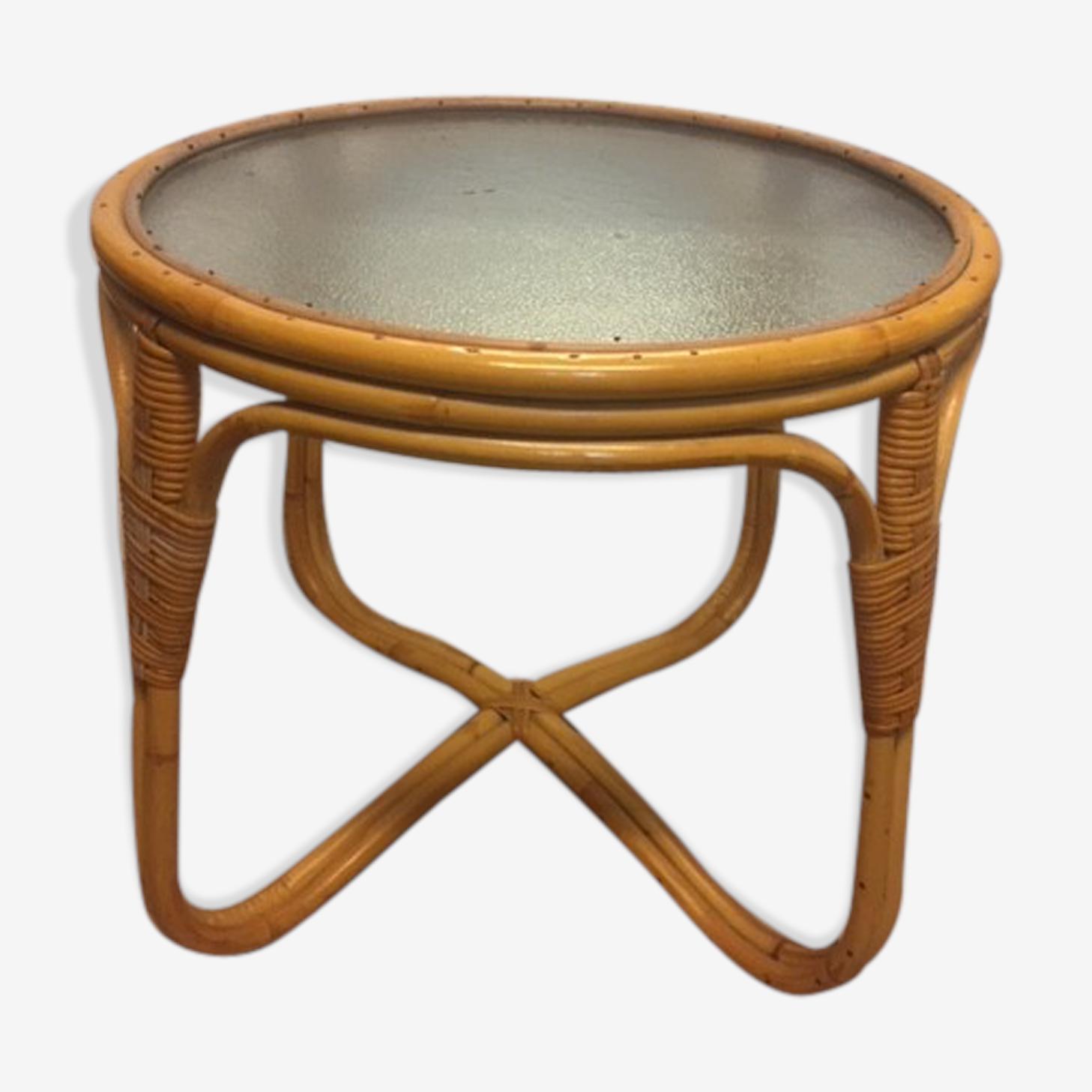 Table basse en rotin avec plateau en verre