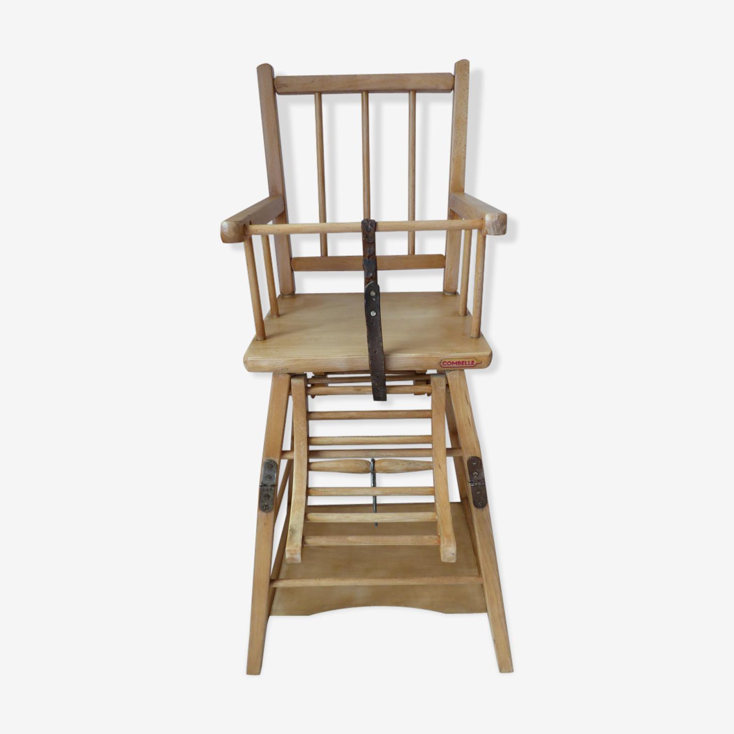 Ancienne chaise haute pour enfant en bois