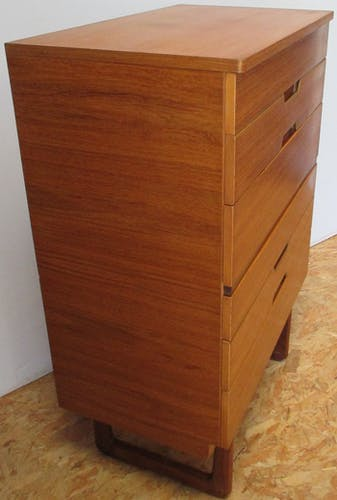 High Uniflex dresser by G.Hoffstead.