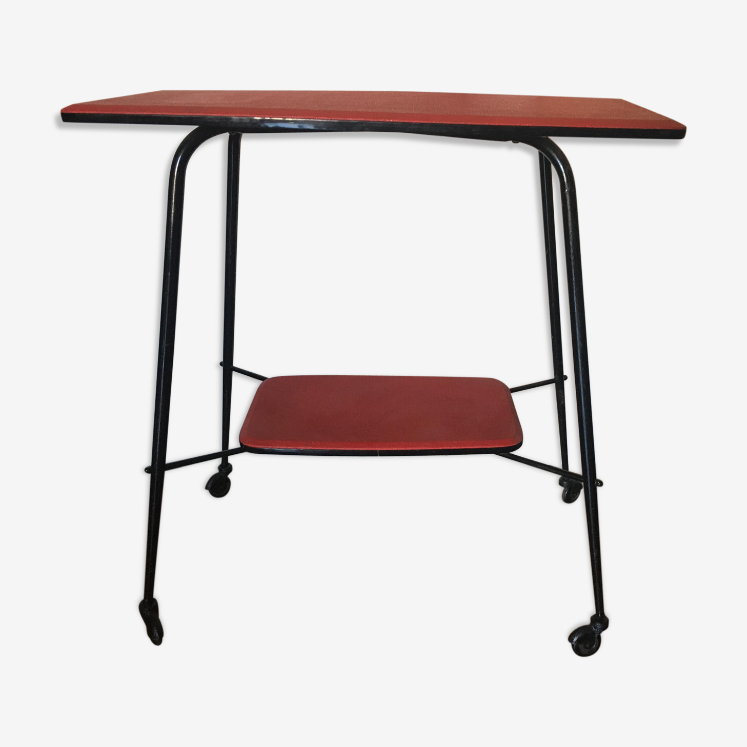 Serving table
