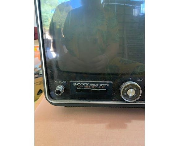 Télévision vintage Sony solid state