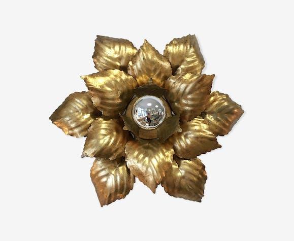 Wall light golden metal flower to leaf
