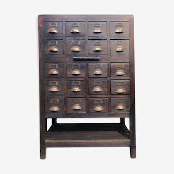 Meuble d'artisan en bois à 20 tiroirs