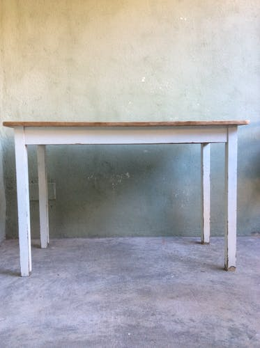 Skated farm table