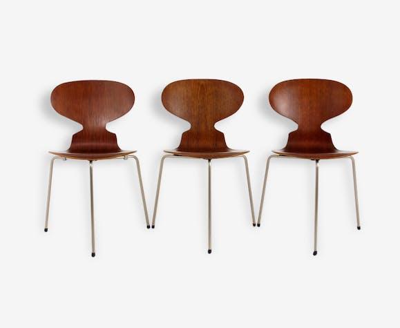 Suite De 3 Chaises 3100 La Chaise Fourmi Ou The Ant Chair