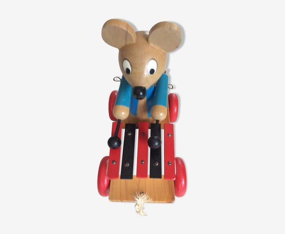 Wooden roulette toy  the musician mouse