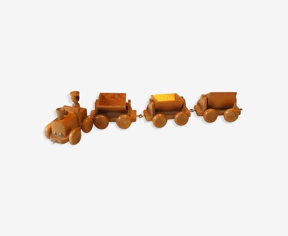 Train en bois avec 3 wagons