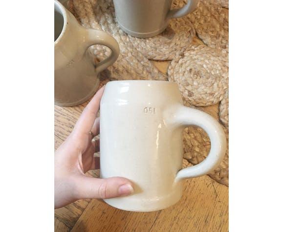Lot de mugs en grès