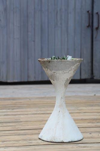 Diabolo gardener design Anton Bee et Willy Guhl
