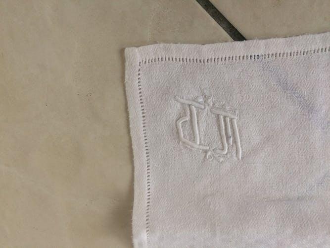 6 monogrammed towels, damask cotton