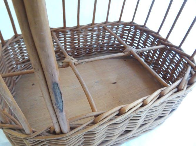 Wicker bottle-servant basket