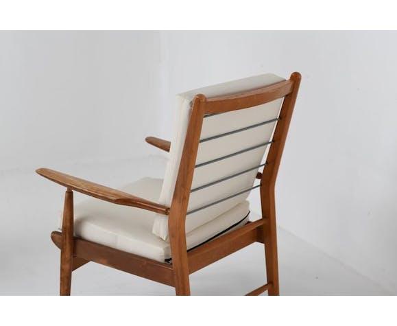 Paire de fauteuils en orme vintage