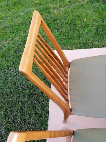 Ensemble de quatre chaises de style scandinave