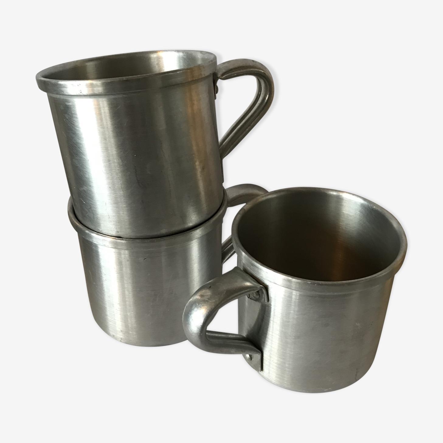 Trio de mugs en tôle