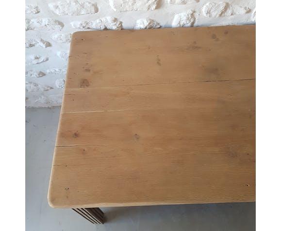 Table de ferme poncée