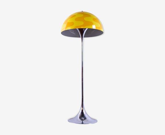 Lampadaire Panthella limited edition abat-jour Flowerpot dans les «deux tons de jaune»