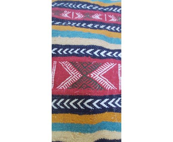 Tapis ethnique traditionnel fait main 100×55cm