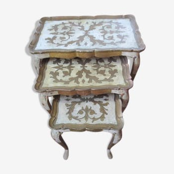 Tables gigognes baroques