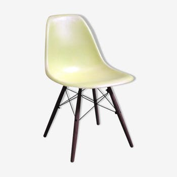 "Chair Eames DSW ""Lemon Yellow"" Herman Miller 1970 edition"